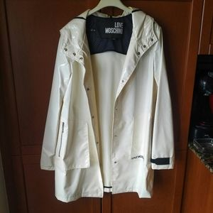 Love Moschino Hooded Raincoat, White, size 4
